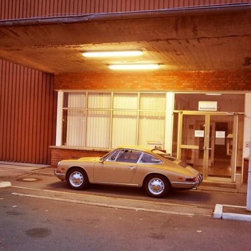 Vintage spirit Porsche 912 beige