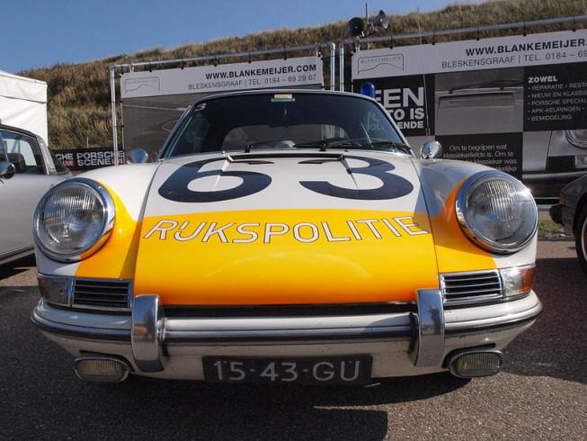 800px-Porsche_912_Targa_dutch_licence_registration_15-43-GU_pic2