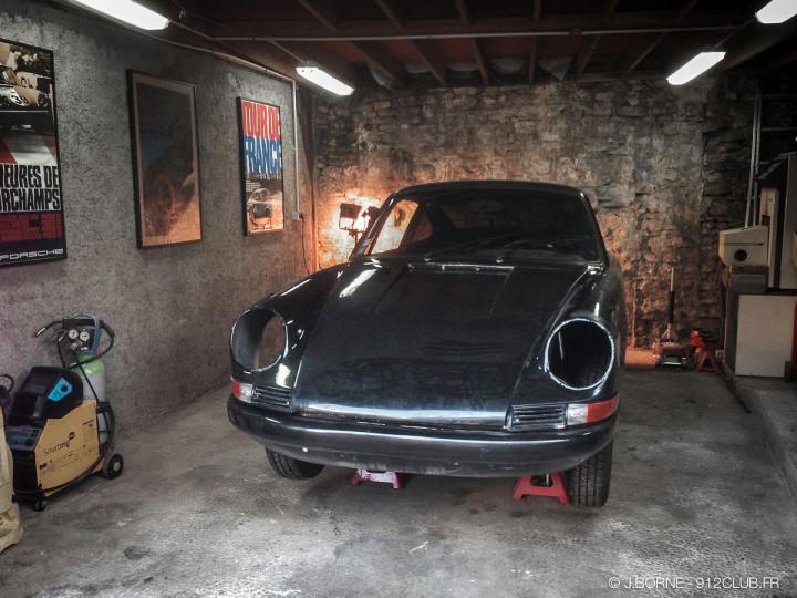 Black_garage