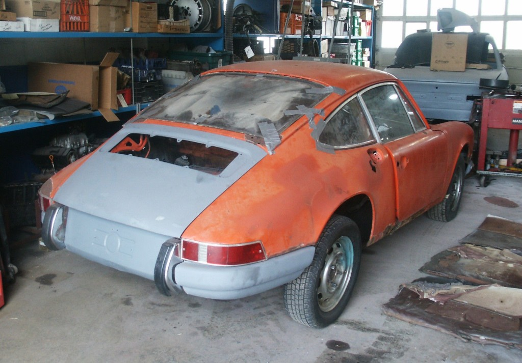 swtr-1972-porsche-911t-for-sale-rear-three-quarter